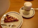 ベリーケーキとカフェマキアート