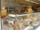 朝市のチーズ