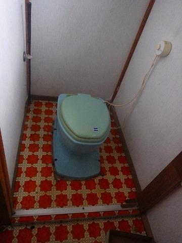 トイレ前1