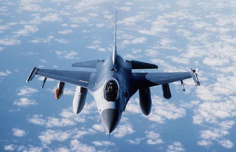 F 16 (戦闘機)の画像 p1_26