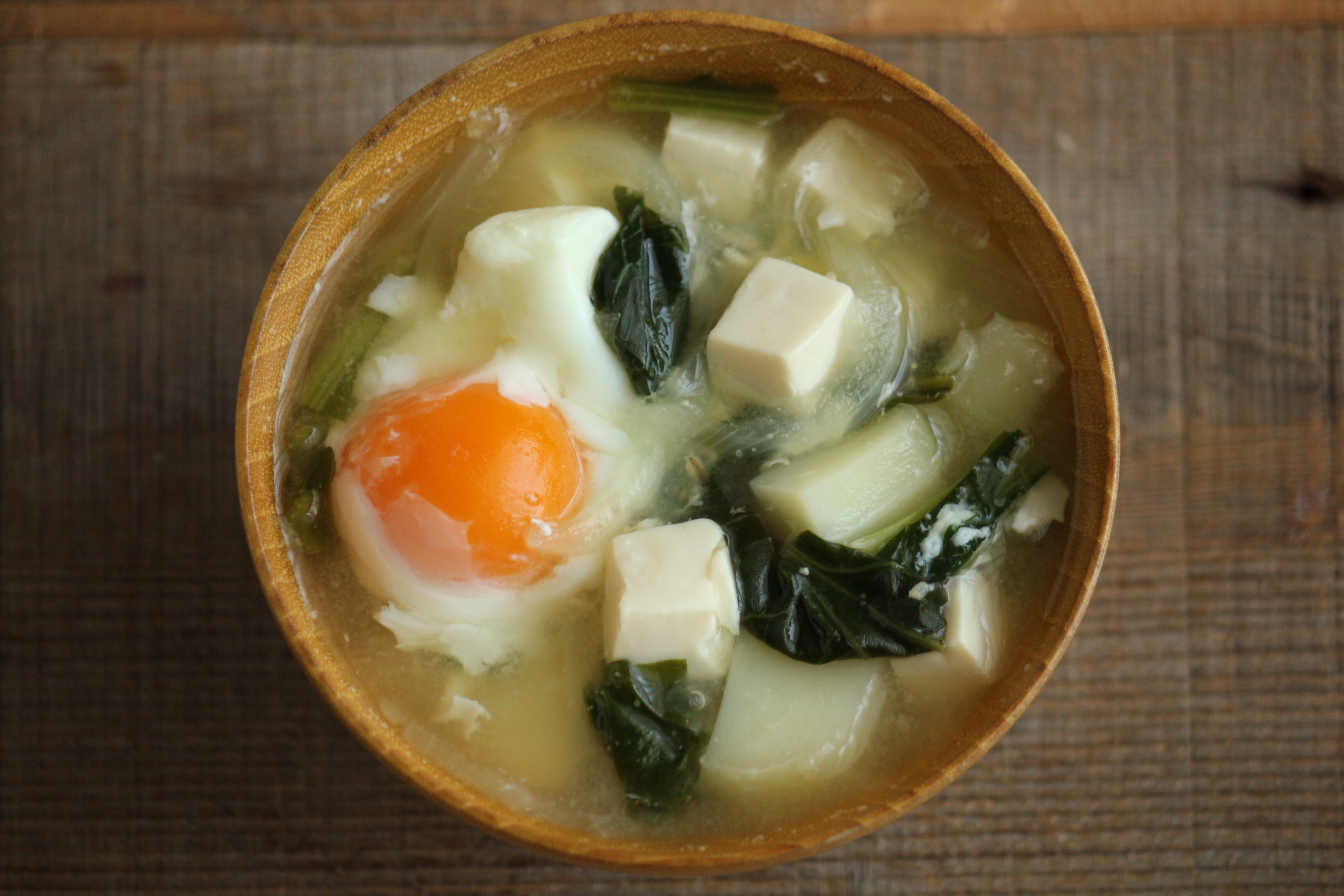 味噌汁 卵 豆腐