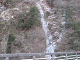 凍った滝。