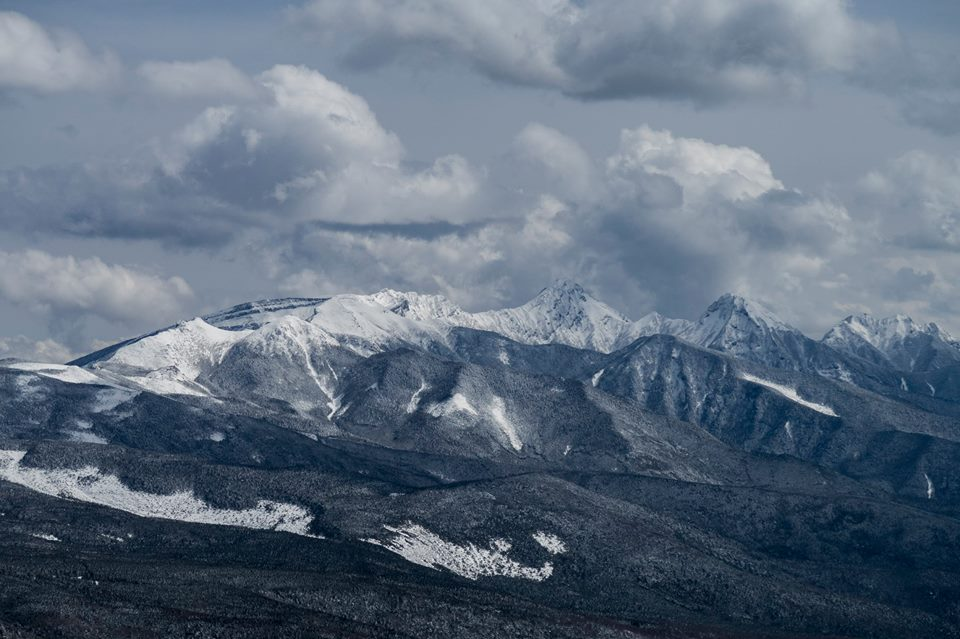 雪の蓼科山