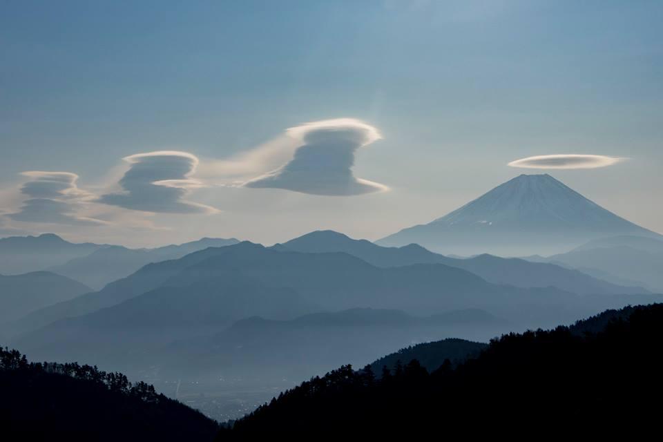 富士山と鳳