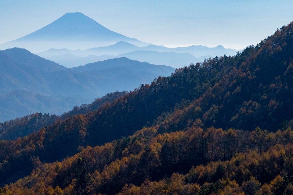 和名倉岳から富士山を望む