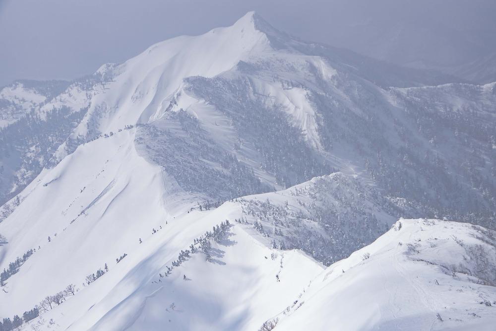 雪の上州武尊山