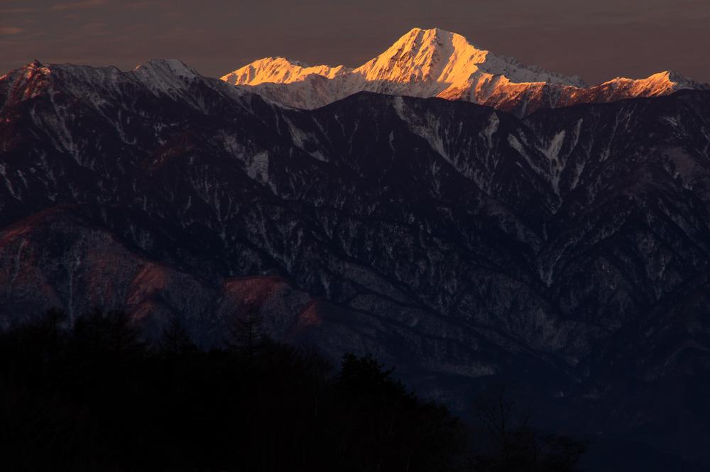 八ヶ岳と南アルプスを展望「南アルプス・中央沿線・富士山展望 登山ガイド」