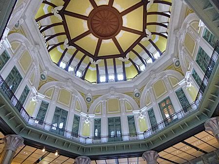 東京駅ドームの天井