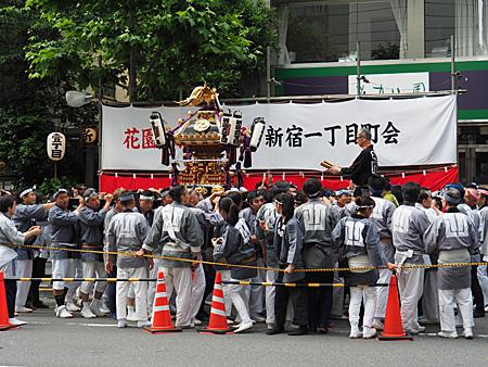 新宿1丁目の神輿