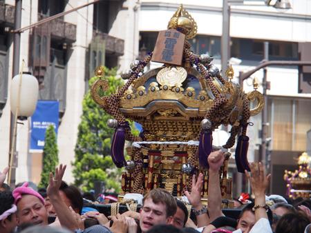 新宿四丁目の神輿