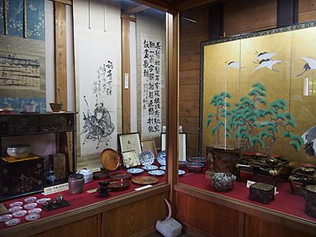 1号館とある蔵。江戸時代の様々の宝物がある