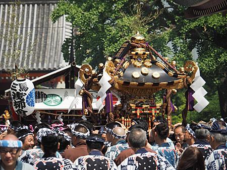 浅草馬三の神輿