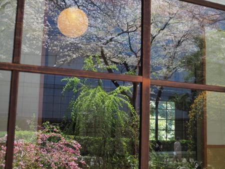 茶室のガラス