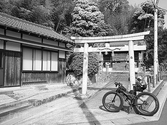 190510横田神社森山1