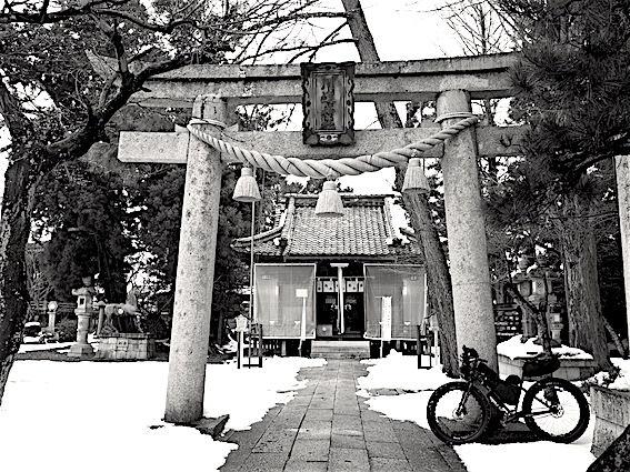180201上許曽神社川道1