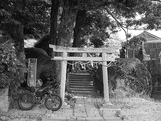 190513宍道神社石宮1