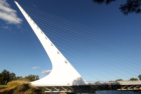 1200px-Sundial_Bridge_(8843646383)