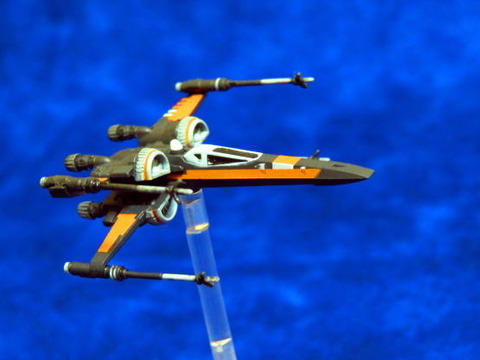 X-WING_T-70_HOR_04