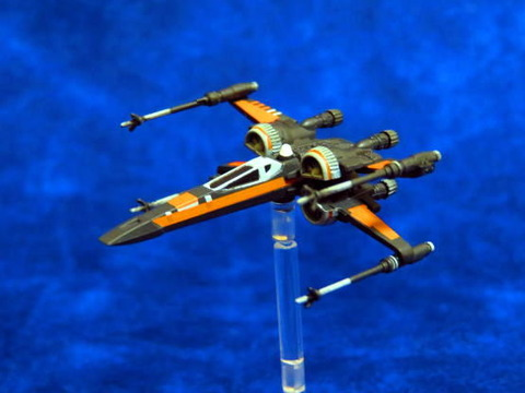 X-WING_T-70_HOR_01
