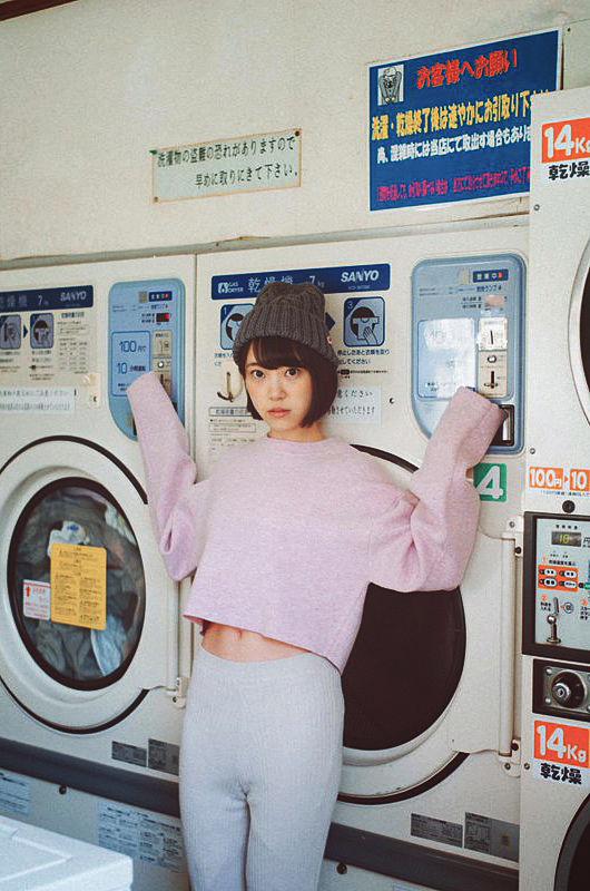 未央奈のグラビアがエロ過ぎて日本列島に所狭しと勃ち並んだブルジュハリファが未来都市だと世界中で話題に [ゆるゆり学級]