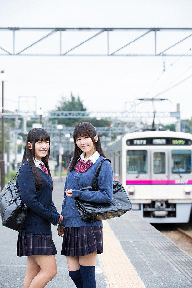 【声優】母・井上喜久子(17)&娘・ほの花(18)がW制服姿でグラビア共演「あららら、これは美味しそうな親子だこと!」ファン悶絶