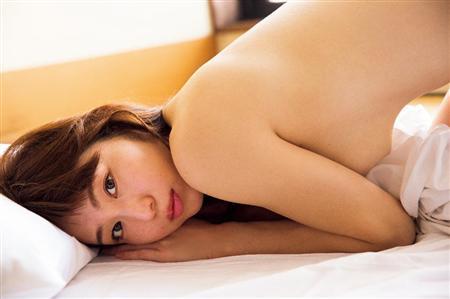 """【グラビア】ホテルで!露天風呂で!""""AKBチーム4高橋朱里「セクシーな映像が満載でムラムラが止まらない!」"""