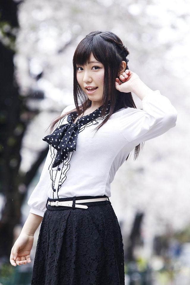 【声優】鈴木愛奈さんのグラビア&インタビュー公開!「ラブライブ!が元々好きで小原鞠莉役に決まった時は嬉しくて泣きました」