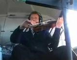 ヘリコプター弦楽四重奏曲を演奏している様子