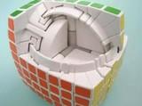 7×7×7のルービックキューブの中がよく分かるストップ・モーション