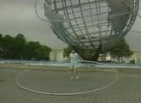 世界最大のフラフープを回す映像