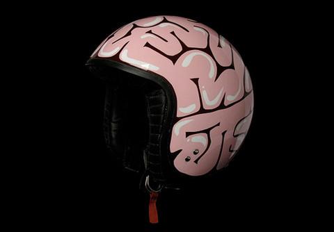 脳ヘルメット