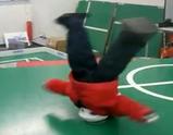 COOLなブレイクダンスをキメるロボット「MANOI GO」