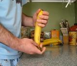 お猿さんのバナナのむき方講座