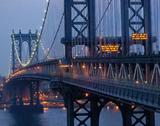 早送りで見ると大きな吊り橋もスゴイしなってるんですね映像