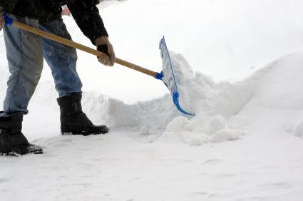 shoveling-snow_s600x600-thumb-425x282-7806
