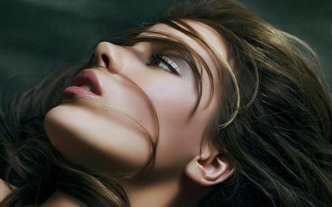 beautiful-girl-face-wallpaper-1920x1200