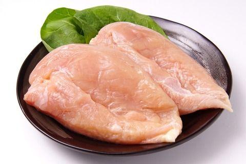 糖質制限ダイエットしてるけど、今朝も鶏むね250gのサラダだけだわ