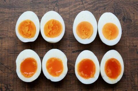 筋トレ男「ゆで卵は食っていい!」←いやなんで生卵や卵焼きは除外するの?