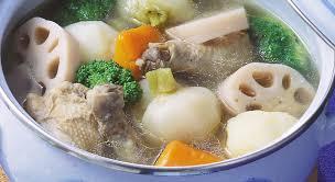 鶏肉と野菜を鍋にぶっこんで煮ようと思うんだが肉は上?下?