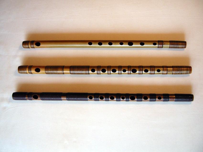 篠笛・唄物(漆塗り)巻き方 ← 笛の写真はクリックして拡大! 唄物とは? 唄や三味線、洋楽器に合