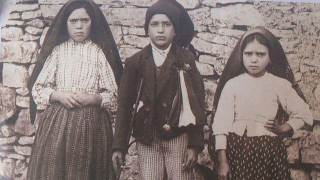 Le message de la Sainte Vierge Marie à Fatima devrait nous frapper-nous faire réfléchir gravement,vu l'état des choses 57fd0d05