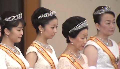 皇族方の宝石類