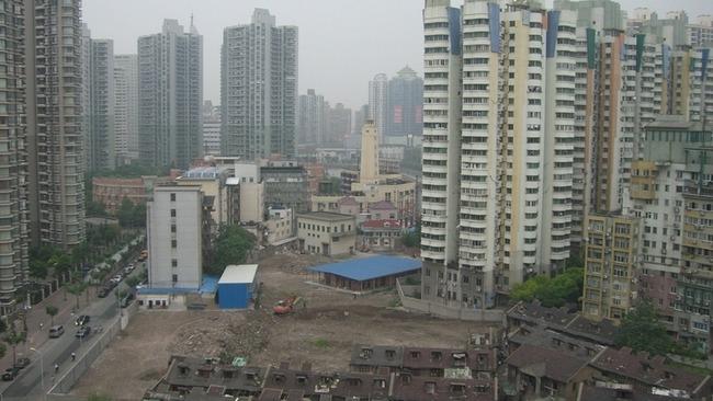 【朗報】中国の高層マンションに後付けエレベーターを設置wwwwwwwwwwwwwwwwwwww