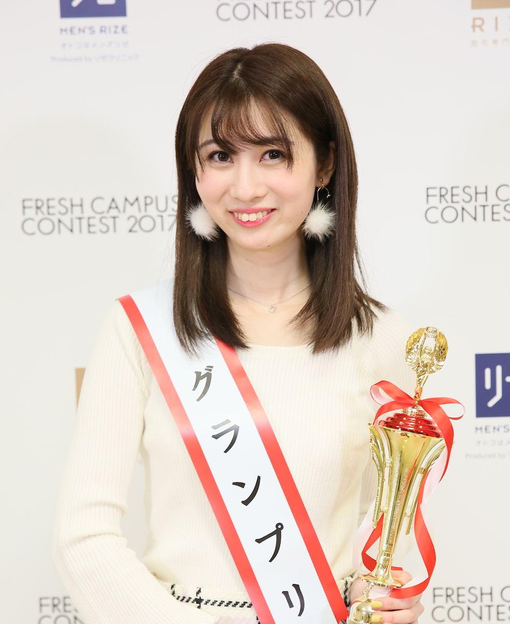 日本一かわいい大学1年生」コンテストで元アイドルが優勝wwwこれは卑怯