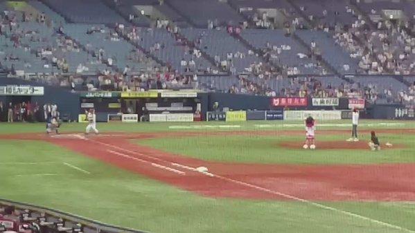 ファンキー加藤始球式