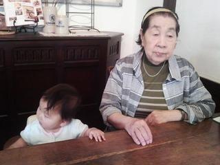 20140510母の日ひ孫と母2