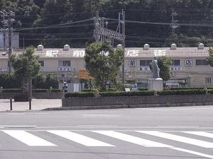 鳥羽駅前商店街サザエストリートの遠景アップ