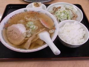 佐野ラーメン太七ランチメニュー もつ焼きセット