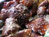 山椒と七味をかけた鳥もつ煮のアップ1