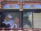 拝殿の壁面装飾2